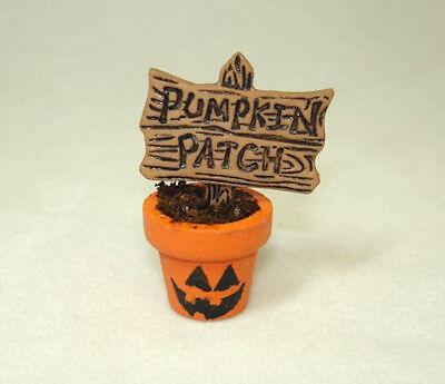 Dollhouse Pumpkin Patch Sign in Halloween Face Flower Pot Doll House Miniatures
