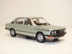 BMW-SERIE-5-520-bleu-1-43-E12