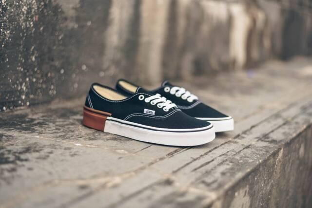 VANS Authentic Gum Block Black Men s Classic Skate Shoes Size 9.5 ... 820a33e80
