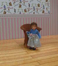 OOAK Miniatura Hecho a Mano esculpida Micro Muñeca Bebé Niña Casa artista 1/12.