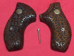 Taurus-Small-Frame-Custom-Carved-Wood-Grips