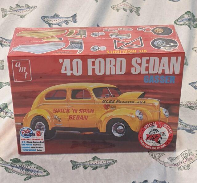 1:25 Scale Model Kit OAS R2AMT1088 AMT 1940 Ford Sedan
