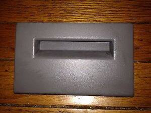 88 94 gmc chevy truck fuse box cover door 93 92 silverado suburban rh ebay com 94 chevy silverado fuse box location 94 chevy silverado fuse box location
