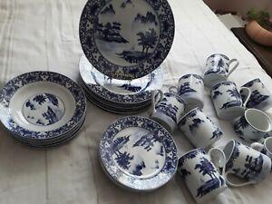 A-Gorgeous-Rare-Find-Vintage-Canton-Blue-Dinnerware-Set-34-Pieces-Service-for-8