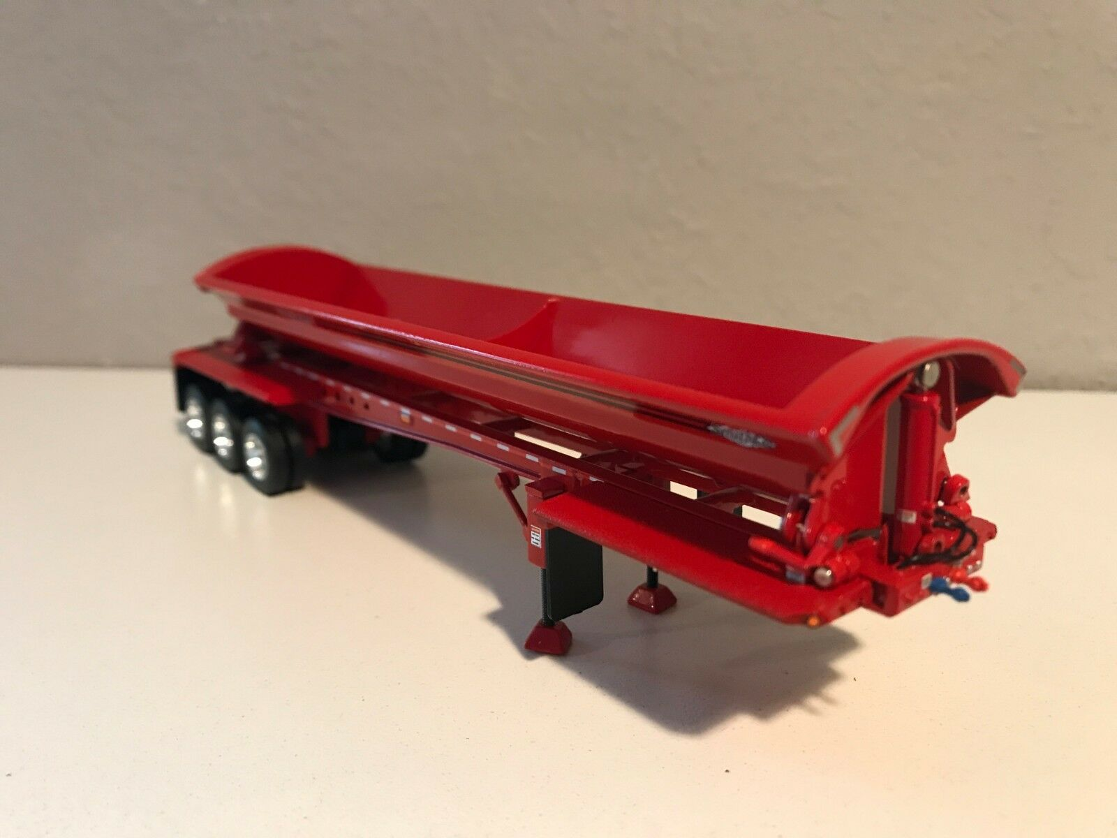 DCP DCP DCP 1 64 SMITHCO SIDE DUMP ALL RED 0bcd3b