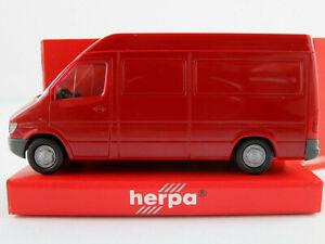 Herpa-042536-Mercedes-Benz-Sprinter-Kasten-1995-in-weinrot-1-87-H0-NEU-OVP