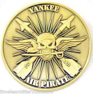 US-NAVY-YANKEE-AIR-PIRATE-CHALLENGE-COIN-USAF-USMC-VIETNAM-VETS-F4-A4-UH-1-HUEY