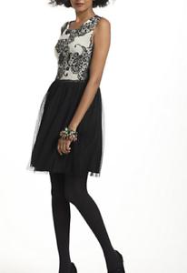 NWT Anthropologie Weston Wear Sable Flocked Dress Floral schwarz Medium M Tulle