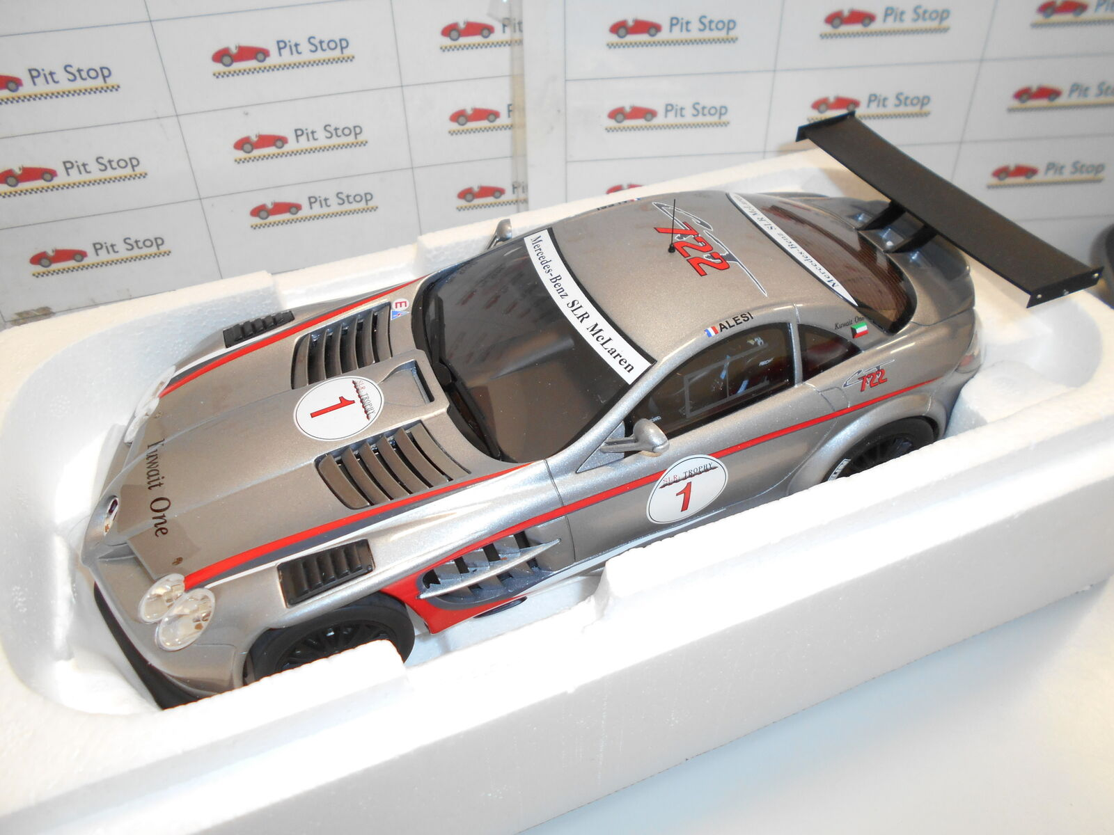 GTZM063 by GT SPIRIT MERCEDES-BENZ SLR MCLAREN 722 GT 1 18
