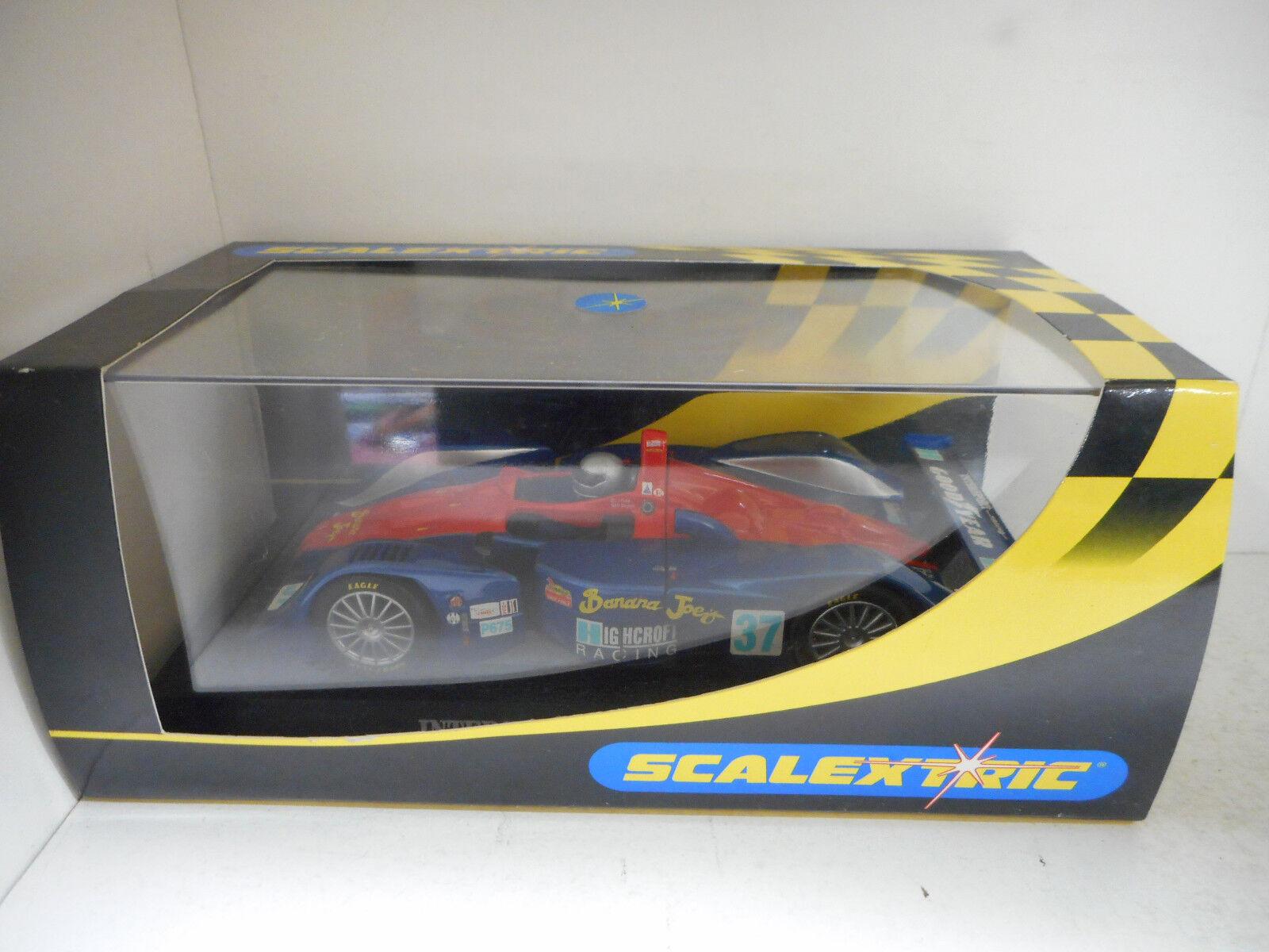 MG LOLA-INTERSPORT RACING-NO 37-C2482--SCX-SCALEXTRIC--SLOT CAR-1 32-27