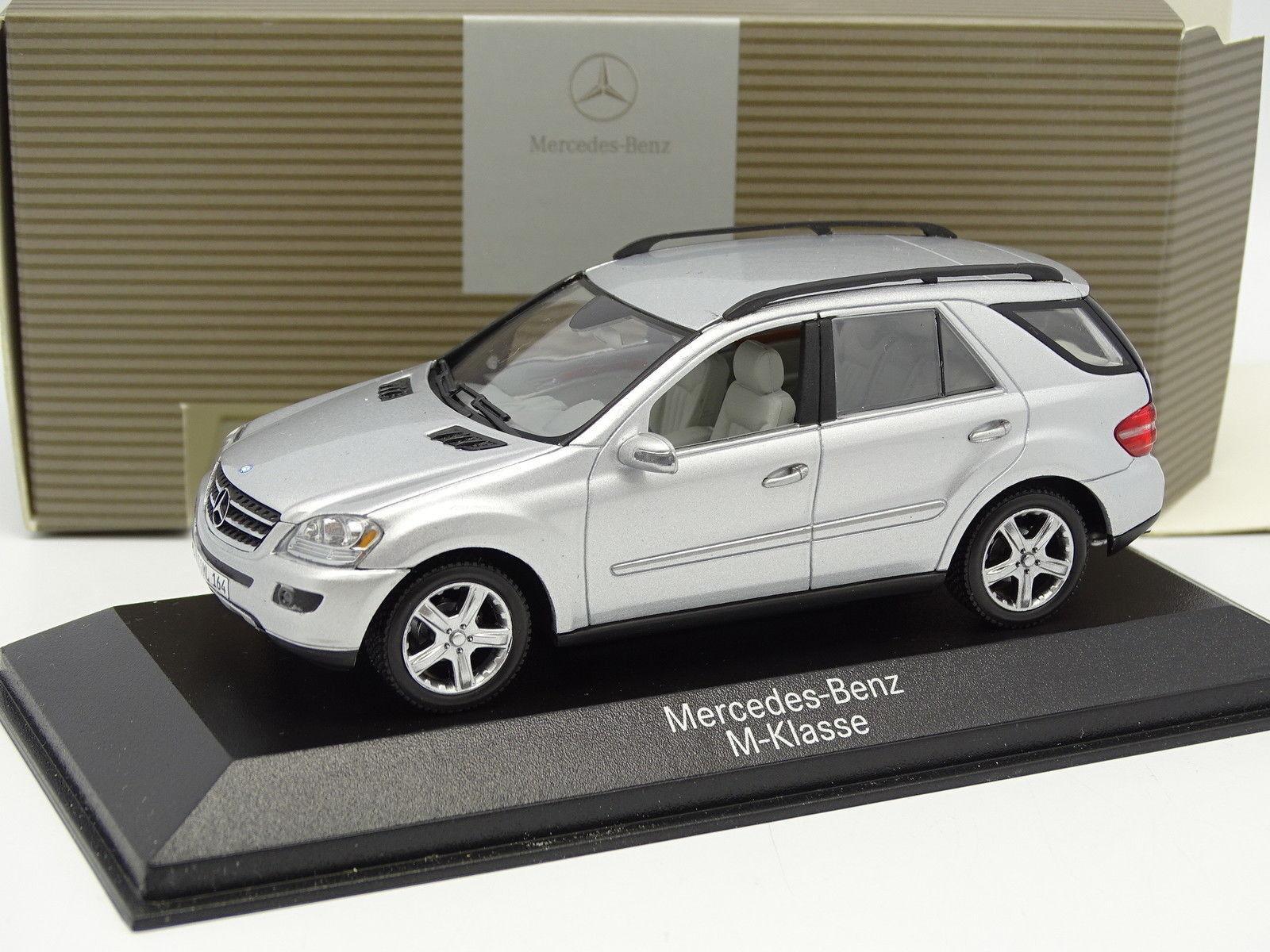Minichamps 1 43 - Mercedes Class M Silver