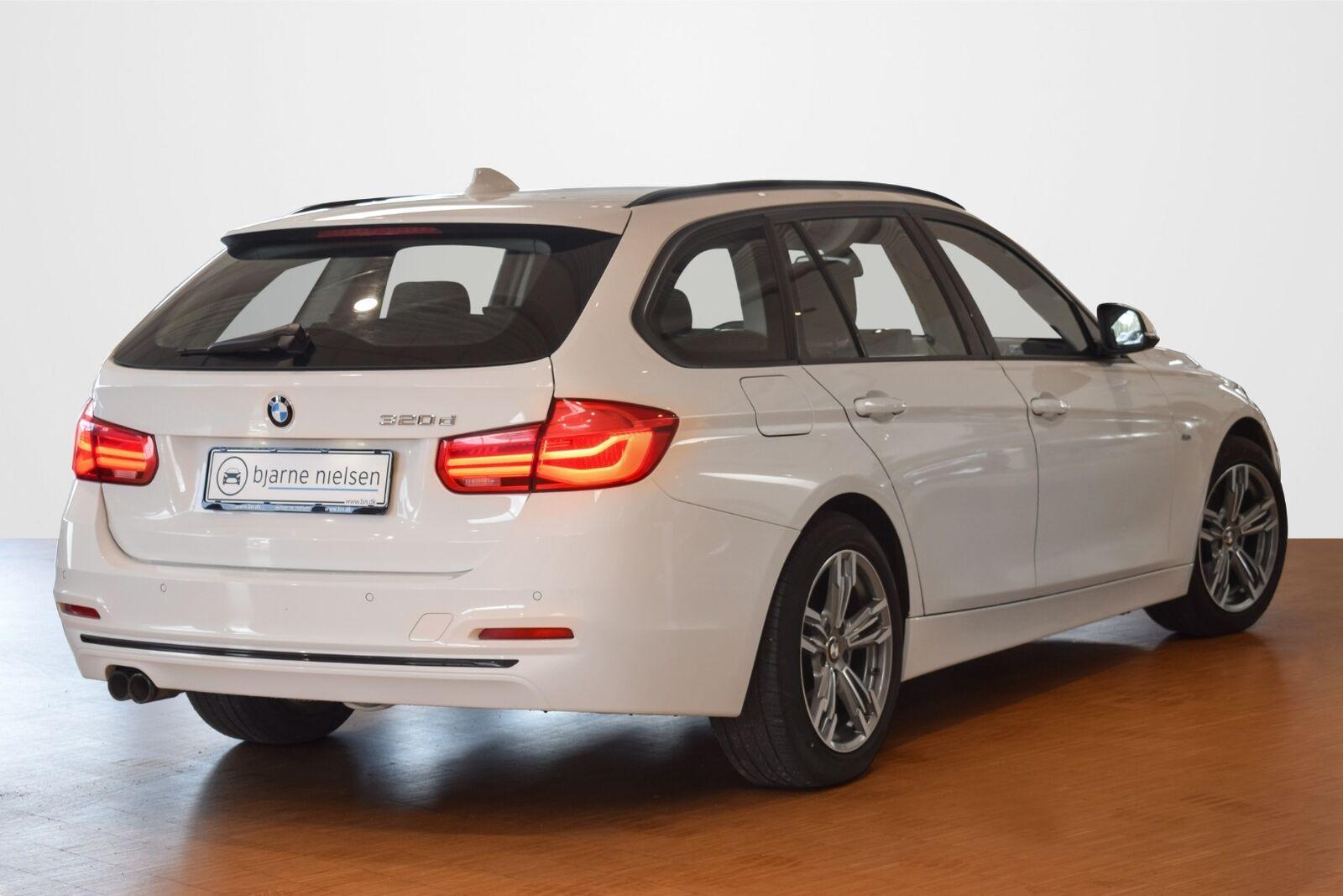 BMW 320d 2,0 Touring Sport Line xDrive aut. - billede 2