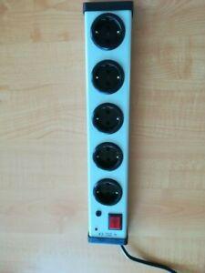 Steckdosenleiste 5-fach mit Überspannungsschutz & Zuleitung