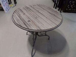 gartentisch tisch aus metall mit holz im vintage look ovp neu ebay. Black Bedroom Furniture Sets. Home Design Ideas