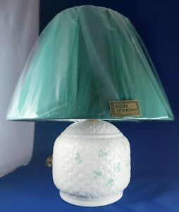 Belleek-Galway-Table-Lamp-Shamrocks-Weave-13-Tall-with-Shade-in-Box