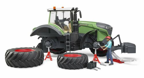 Bruder Toys Fendt 1050 Vario Tractor Mechanic and Tools 1:16 Scale Bruder 04041