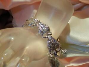 Vintage-1950-039-s-Pegasus-Coro-Signed-X-Lovely-Silver-Tone-Heart-Leaf-Bracelet-58M8