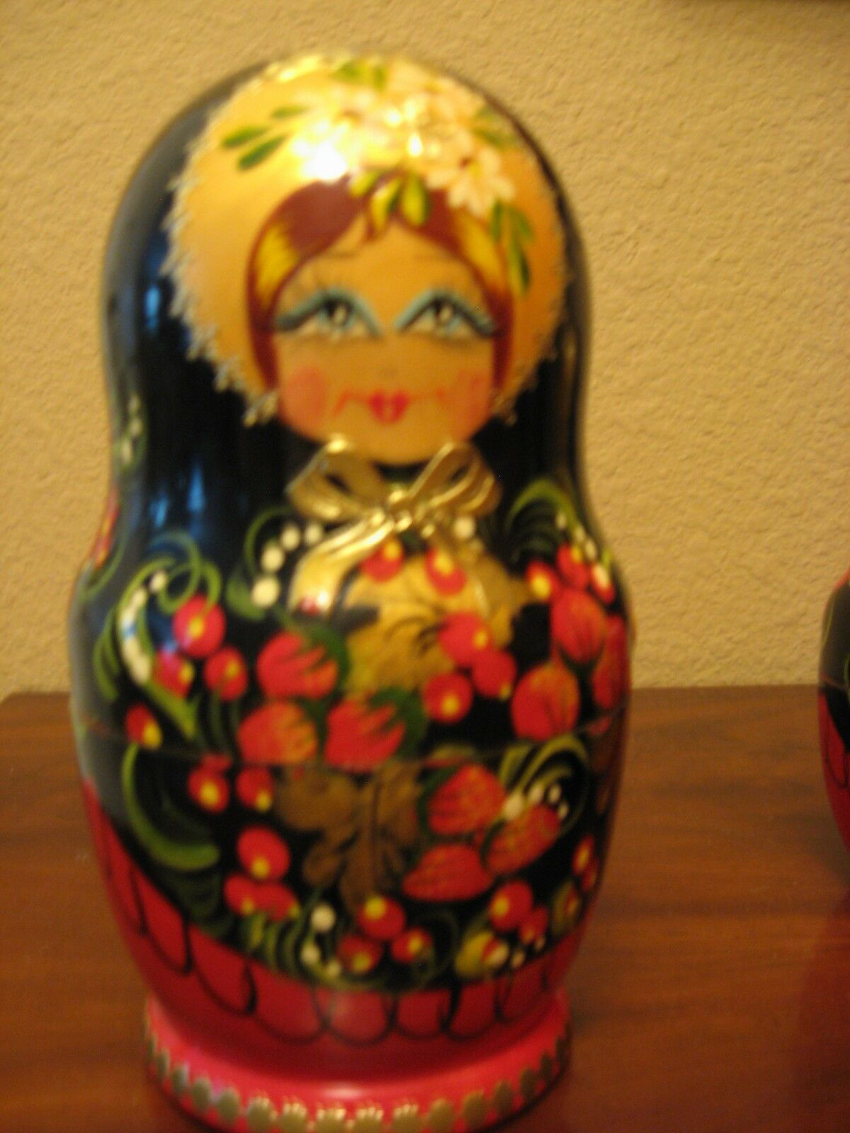 Set of 5 Russian Wooden  Nesting Dolls. Main Doll Measures 7