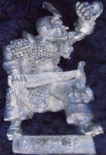 1986 DARK ELF 1101 22 C09 darthar quickblade citadelle elfes armée drow guerrier GW