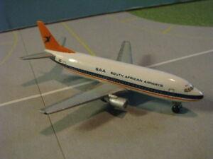 HERPA-WINGS-500326-SOUTH-AFRICAN-AIR-737-300-1-500-SCALE-DIECAST-METAL-MODEL