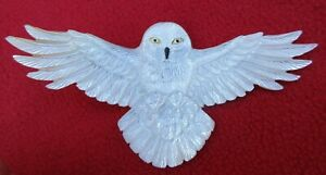 Magnificent-Large-Carved-Mother-Of-Pearl-Snowy-Owl-Shamanic-Power-Pendant