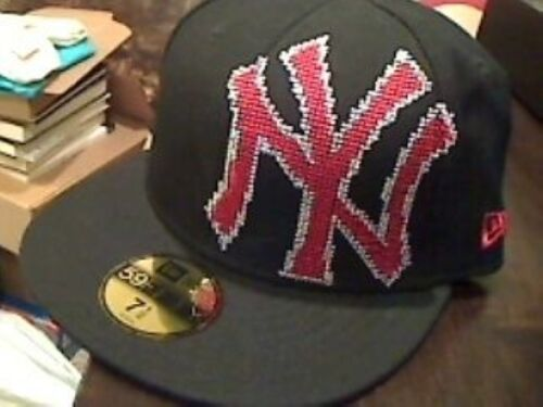 New Era Men/'s Pixelated Fitted Wool New York Yankees Cap 7 3//8