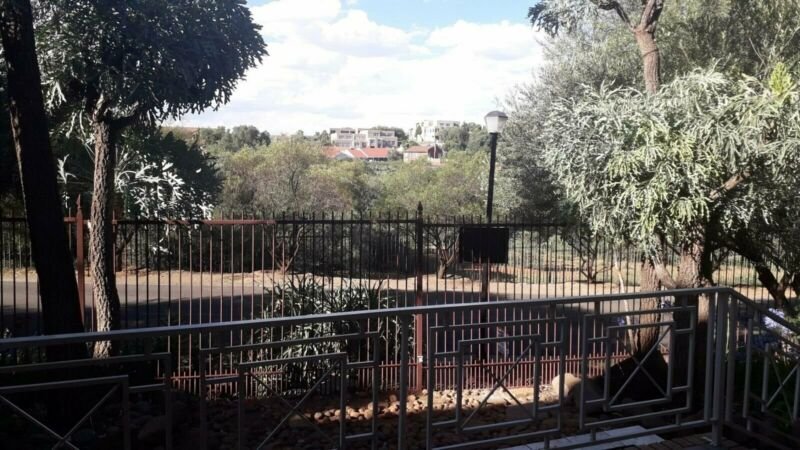 4 Bedroom House For Sale in Baysvalley