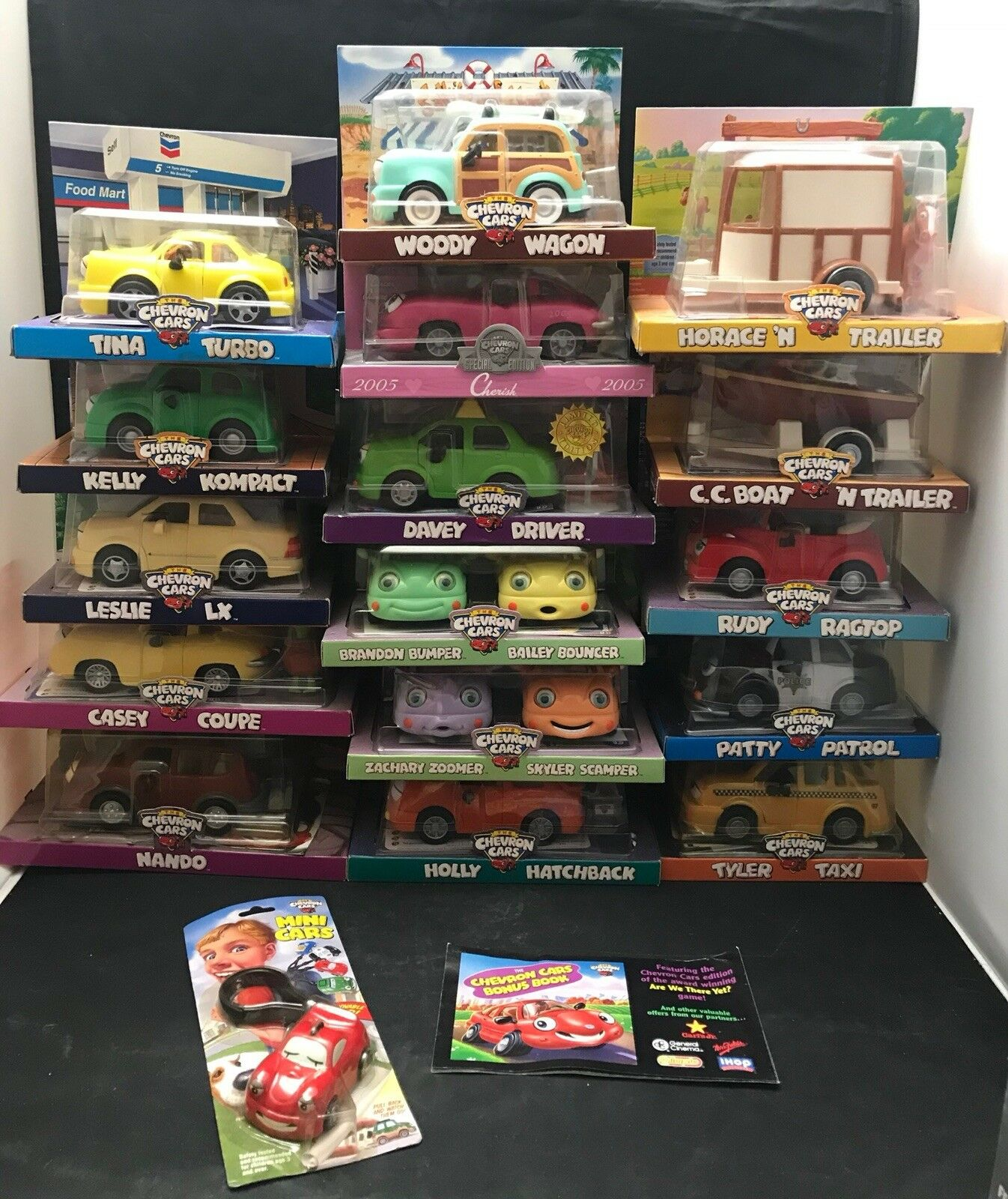 Chervon Toy Car Lot Of 18