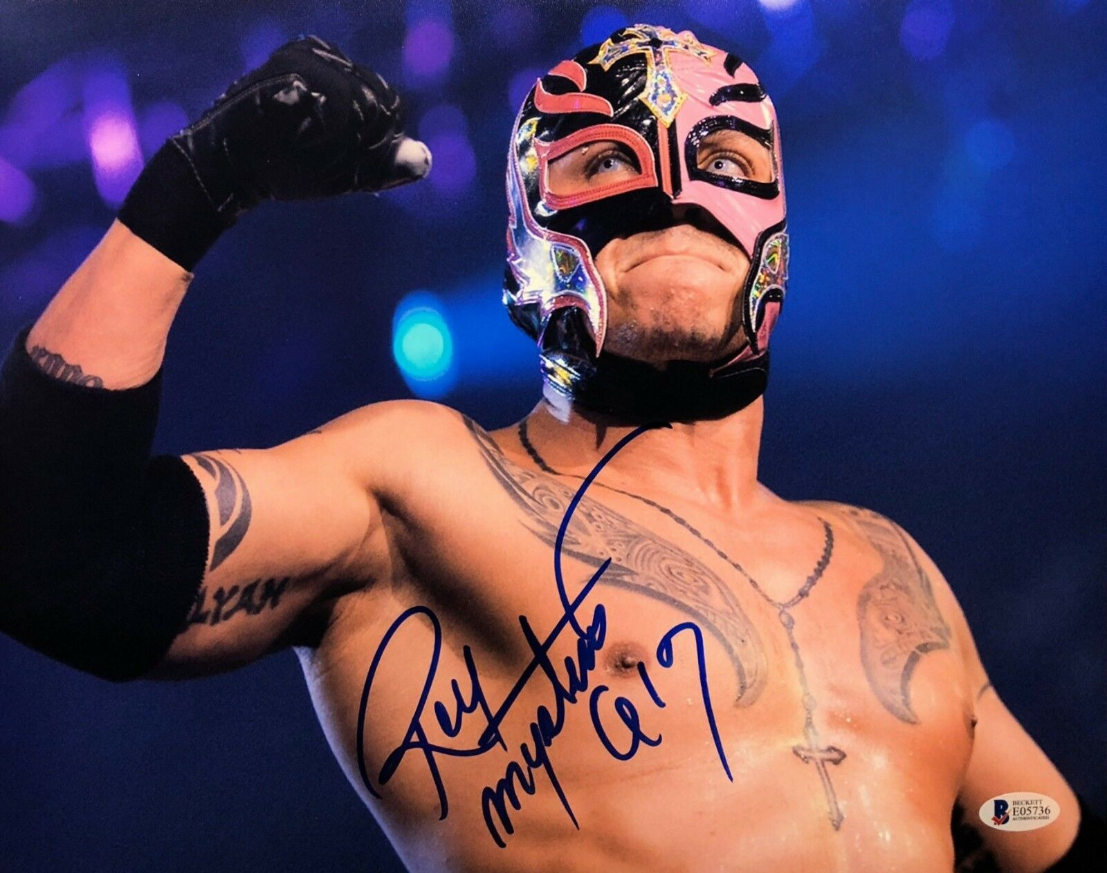 Rey Mysterio Signed WWE 11x14 Photo BAS Beckett E05736