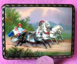 Lacquer-Box-Russian-small-GICLEE-Lovers-Couple-TROIKA-Three-Horses-carriage-ART