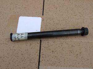 Yamaha-R6-YZF-5eb-99-02-Rear-Wheel-Spindle