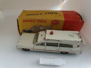 DINKY-TOYS-No-263-SUPERIOR-CRITERION-AMBULANCE-1962-68-BOXED