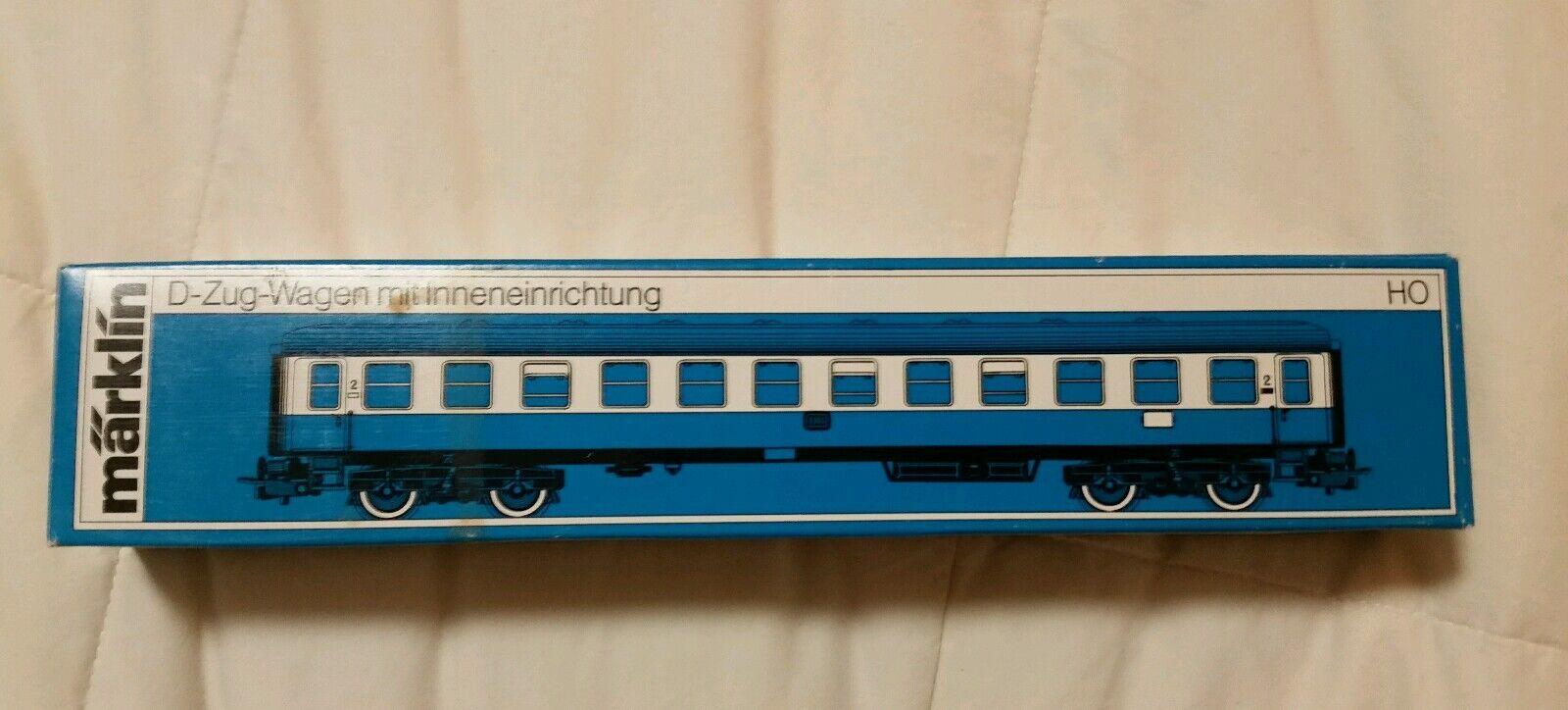 NIB MARKLIN HO  4112 DB Express 2nd Class Passenger **FREE SHIPPING **