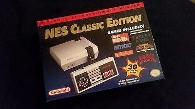 New Nintendo NES Classic Edition Mini 30 GAMES In Hand Mario Zelda castlevania