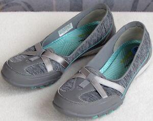 7-5-Skechers-Women-Gray-Slip-On-Memory-Foam-Relaxed-Fit-Flat-Loafer-Sneaker