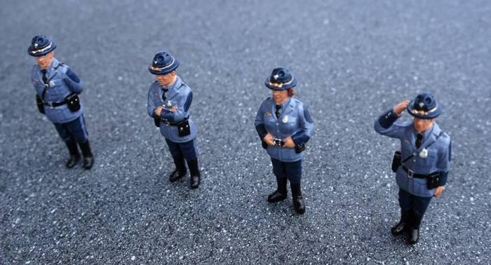 Bündel von 4 Figuren Polizisten Strafzettel 1 43 American Diorama