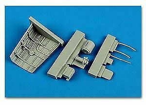 7298 AIRES HOBBY 1//72 P40B RADIO EQUIPMENT FOR ARX D