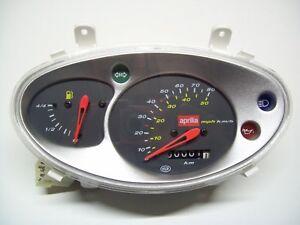 CRUSCOTTO CONTACHILOMETRI APRILIA SCARABEO 50 cc. (Km/h e M.P.H.) NUOVO