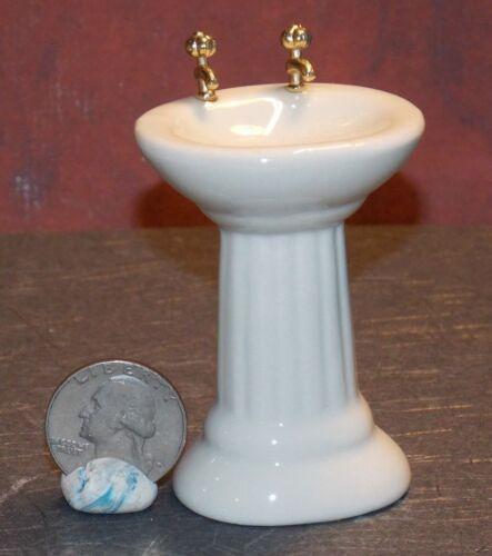 Dollhouse Miniature Ceramic Bathroom Sink A 1:12 inch scale G60 Dollys Gallery