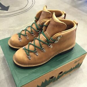Danner 12710 Mountain Trail Gumlite Vibram Outsole Soft