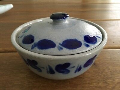 Gefäße Streng Steinzeug Schmalztopf Salzglasur Grau Blau Mit Deckel Erbstücke Reinweiß Und LichtdurchläSsig