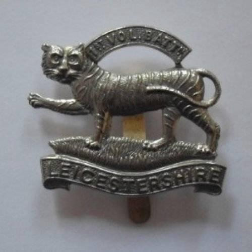 . BRITISH ARMY CAP BADGE THE LEICESTERSHIRE REGIMENT 1st. Vol. Bn.