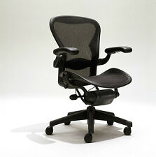 Herman Miller Aeron Mesh Chair Medium Size B fully adjustable lumbar Leather arm