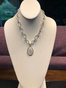 Vintage-Signed-Avon-Mother-Of-Pearl-Silver-Tone-Link-Chain-Necklace-16-Long