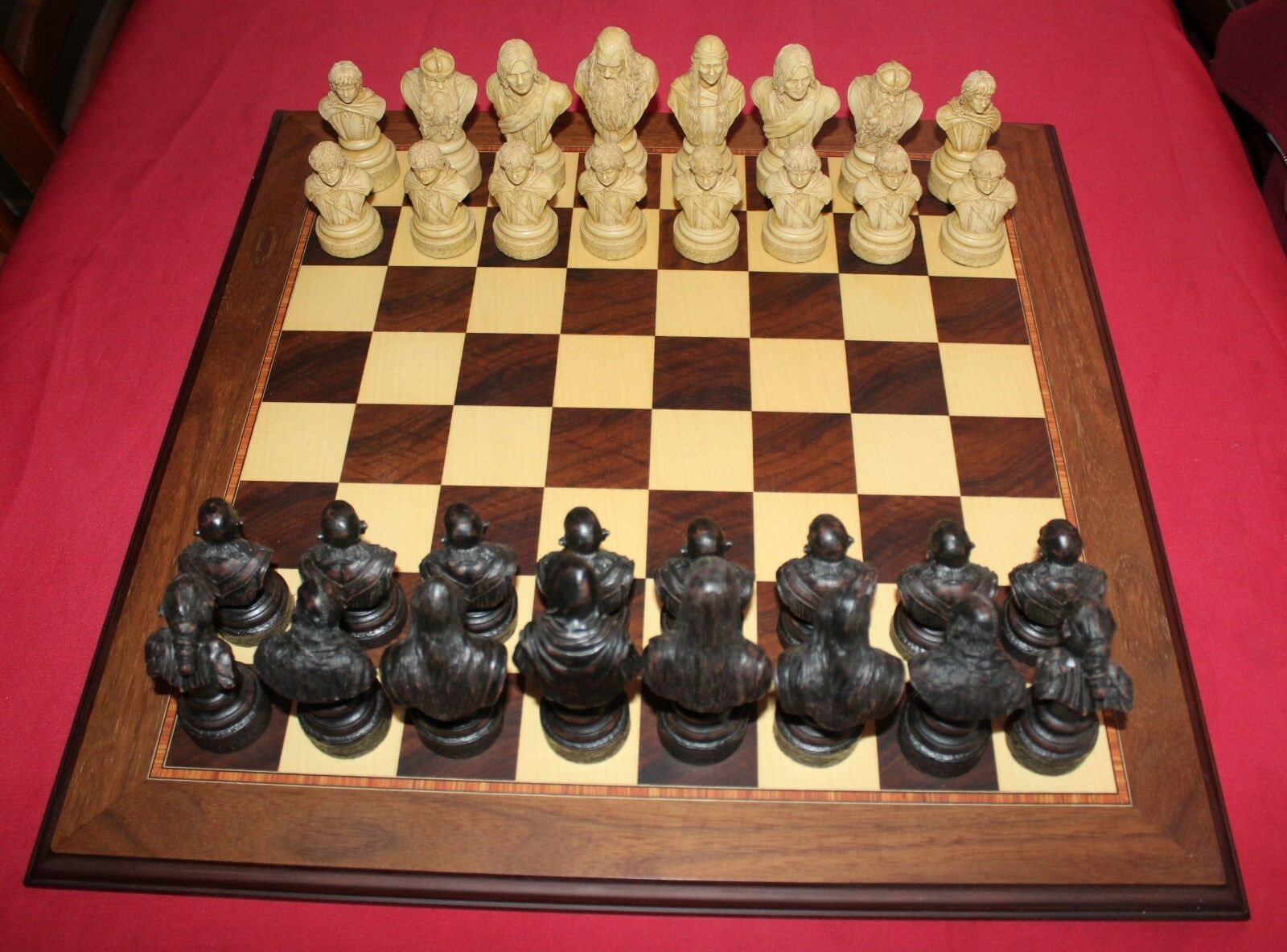 Studio Anne Carlton  Lord of The Rings Chess Set with Inlaid Wooden Board