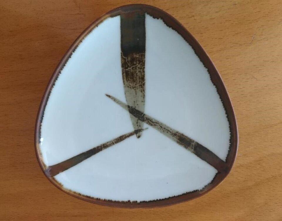 Porcelæn, Trekantet fad Ø 12 cm, B&G