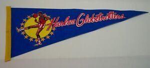VINTAGE-HARLEM-GLOBETROTTERS-Basketball-29-034-PENNANT-FLAG