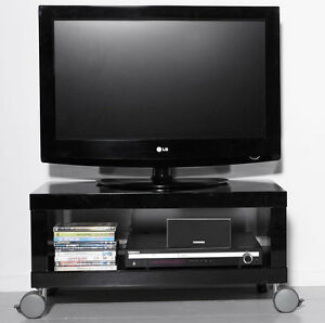 high gloss tv tisch auf rollen hochglanz schwarz tv lowboard ebay. Black Bedroom Furniture Sets. Home Design Ideas