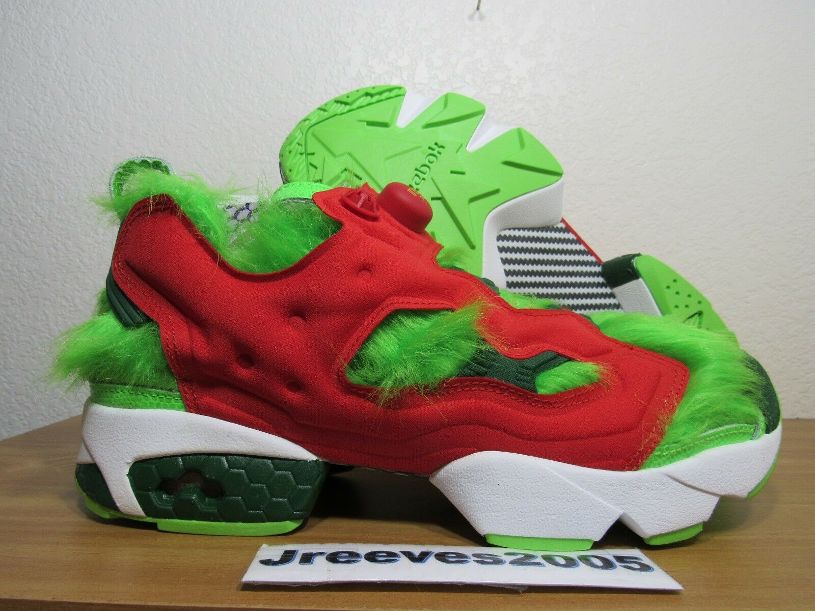 DS Reebok InstaPump Fury CV GRINCH Sz 9.5 100% Authentic Christmas BD4758