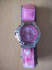 Watch-Ladies-Girls-Kahuna-5-ATM-Water-Resistant-Watch-Pink-amp-Silver-Zip-Case